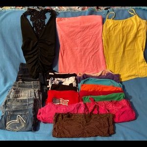 A lot of 24 women's Summer clothes